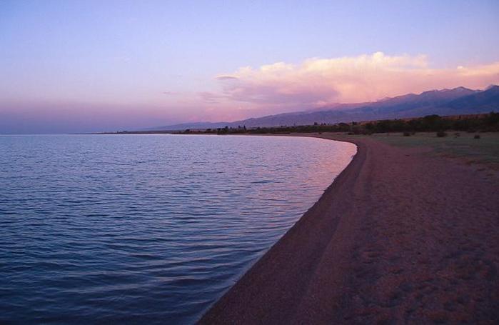 22688901_1208130349_Lake